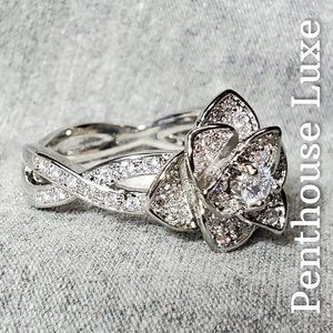 Gorgeous Sterling Silver 3D Sparkling Flower Ring